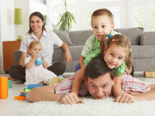potenciální nebezpečí v obývacím pokoji
